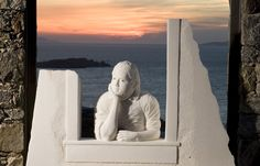 Nel 2007 espone all'Hotel Tharroe, Mykonos, Grecia