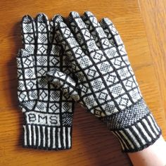 Knitting Now and Then: Sanquhar Gloves