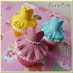 Disney princess dressed up cupcakes