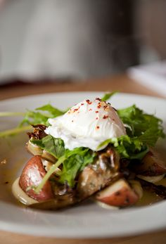 grilled artichoke salad with poached egg