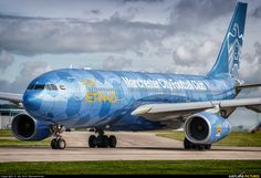 """Etihad Airways Airbus A330-243 (registered A6-EYE) in the """"Blue Moon Rising"""" livery taxiing at Manchester"""