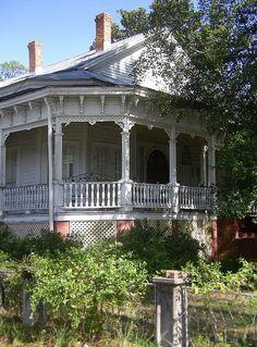 Effinham, GA gingerbread house