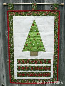 The Craft Patch: Advent Calendar - very cool with felt ornaments Christmas Sewing, Christmas Holidays, Christmas Decorations, Christmas Ideas, Holiday Ideas, Holiday Decorating, Rustic Christmas, Christmas Projects, Christmas Stuff
