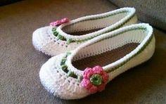 Cómo hacer unas zapatillas de ganchillo [FOTOS] - ¿Quieres sentirte cómoda en casa? A continuación, te enseñamos a elaborar zapatillas de ganchillo. Toma nota del siguiente tutorial, es muy sencillo.