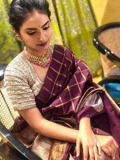 Silk Saree Blouse Designs, Saree Blouse Patterns, Fancy Blouse Designs, Designer Blouse Patterns, Bridal Blouse Designs, Designer Anarkali Dresses, Indian Wedding Wear, Modern Saree, Saree Photoshoot