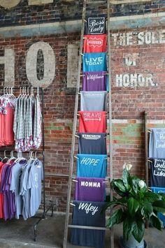 Boutique Interior, Boutique Decor, Boutique Stores, Boutique Ideas, Merchandising Displays, Retail Displays, Shop Displays, Window Displays, Tshirt Display Ideas Retail