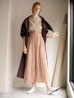 Biggest Trends In Women S Fashion Fashion Wear, Fashion Show, Fashion Outfits, Womens Fashion, Fashion 2018 Trends, Fashion Brands, Boho Outfits, Skirt Outfits, Fashion Over 50