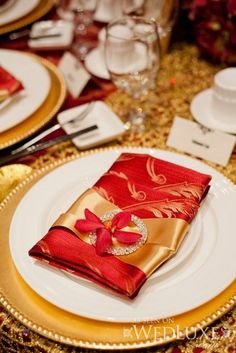 mariage chinois ides mariage papillon mariage or rouge gold butterfly ma s wed wed board gold tablescape great wedding ideas - Chinagora Mariage