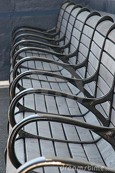 Herhaling - De grijze armleuningen van de stoelen herhalen zich. Yearbook Design, Perfectly Timed Photos, Alexander Calder, Kinetic Art, Outdoor Chairs, Outdoor Decor, Elements Of Design, Line Patterns, Repeating Patterns