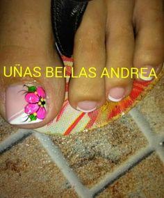 Flores uñas Pretty Toe Nails, Cute Toe Nails, Pretty Toes, Toe Nail Art, Cute Pedicures, Pedicure Nails, Diy Nails, Cute Pedicure Designs, Toe Nail Designs