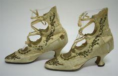 beaded lace-up Edwardian shoes Edwardian Shoes, Edwardian Fashion, Vintage Fashion, Edwardian Style, 1920s Shoes, Gold Shoes, Lace Up Shoes, Me Too Shoes, Dress Shoes