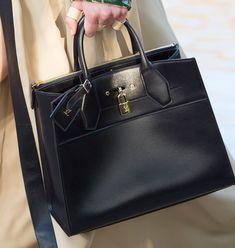 Louis-Vuitton-Cruise-2016-Bags-22http://nyheter24.se/modette/itgirls/katyamorrissey/