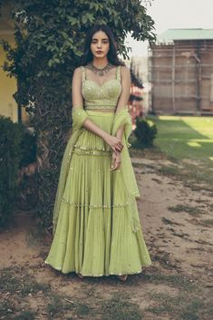 Mehendi Outfits, Indian Bridal Outfits, Indian Party Wear, Indian Designer Outfits, Indian Designers, Designer Dresses, Lehenga Designs, Indian Gowns Dresses, Dress Indian Style