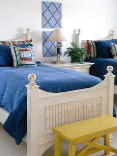Nautical bedroom in blue and yellow: http://beachblissliving.com/blue-yellow-beach-cottage/