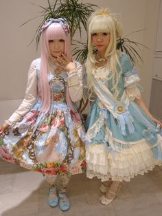 lolitahime: minekonbu wearing Juliette et Justine
