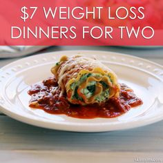 Skinny Lasagna Rolls are perfectly proportioned, filled with delicious, traditional Italian ingredients including flavorful herbs and spices. Skinny Lasagna Rolls are a healthy alternative to regular lasagna in individual-sized rolls and low-calorie too. Healthy Cooking, Healthy Eating, Healthy Snacks, Cooking Recipes, Healthy Recipes, Healthy Dinners, Yummy Recipes, Meatless Recipes, Cooking Tips