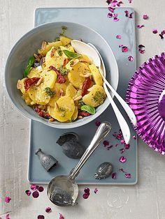 Kartoffelsalat mit Pesto und Pinienkernen