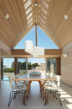 Guesthouse by Bromley Caldari Architects