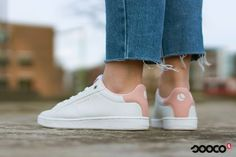 One can never wear to much pink https://www.sooco.nl/bjorn-borg-t300-low-cls-witte-lage-sneakers-29557.html Vertaling bekijken