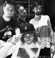 #Bastille lol Will's posing like a diva ... the others are weirdos as usual instead.