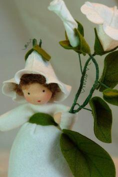 Bearbind  Flower Child  Waldorf  Inspired  by KatjasFlowerfairys, €33.00
