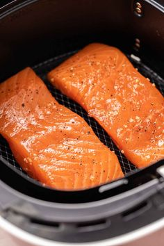 Air Fryer Salmon comes out tender and juicy every time! Making salmon in the Air Fryer is an easy and quick way to cook your favorite fish exactly the way you like it with only a little bit of oil. Air Fryer Fish Recipes, Air Fry Recipes, Air Fryer Dinner Recipes, Cooking Recipes, Fresh Salmon Recipes, Baked Salmon Recipes, Chicken Recipes, Salmon In Air Fryer, Salmon Patties Recipe