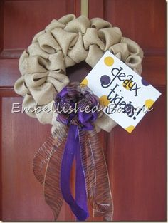 Pinterest-inspired burlap wreath. I probably wouldn't make it with ~these~ colors, but it would make a cute base for a Fall/Harvest wreath.