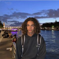 Discover recipes, home ideas, style inspiration and other ideas to try. Taper Fade Curly Hair, Long Curly Hair Men, Boys With Curly Hair, Curly Hair Styles, Cute Lightskinned Boys, Cute Black Guys, Cute Guys, Black Boys, Surfer Guys