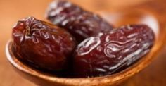Deglet Nour Dates Fasting Ramadan, Deglet Nour, Health Benefits Of Dates, All Vitamins, Alkaline Foods, Dog Eating, Clean Eating, Healthy Fruits, Healthy Foods