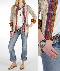 Slightly grungy layered outfit, but still looks very well coordinated and put together #casual #style