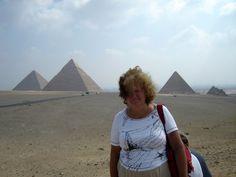 #magiaswiat #kair #egipt #podróż #zwiedzanie #afryka #blog #miasto #cytadela #giza #piramidy #sfinks #muzeum #kościół #koptyjski #meczet #alabastrowy #cytadela #wytwórniaperfum #memfis #suk #papirusy #saqqara Louvre, Building, Blog, Travel, Viajes, Buildings, Blogging, Destinations, Traveling