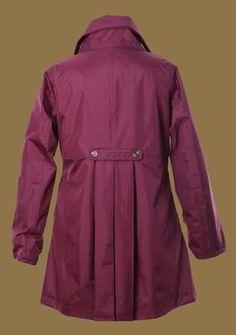 New England Takki New England, Rain Jacket, Windbreaker, Raincoat, Jackets, Fashion, Down Jackets, Moda, Fashion Styles