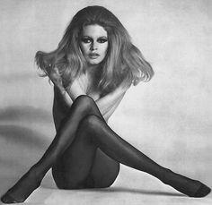 Brigitte Bardot é considerada um sexsymbol dos anos 50 e 60. Ela tornou o biquini famoso.