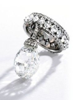 JAR : Platinum and Briolette Diamond Ring