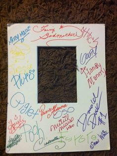 Bring a photo mat to DISNEY for characters to sign instead of an autograph book. BEST IDEA EVER!!!!!! things-i-love