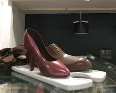 Miért kellene mindenkinek marcipán pár az esküvői tortájára? Légy egyedi! Ankle, Shoes, Fashion, Moda, Zapatos, Wall Plug, Shoes Outlet, Fashion Styles, Shoe