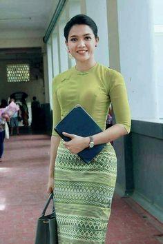 Myanmar Traditional Dress, Traditional Dresses, Beautiful Asian Girls, Gorgeous Women, Burmese Girls, Myanmar Dress Design, Myanmar Women, Oriental Dress, Thai Dress