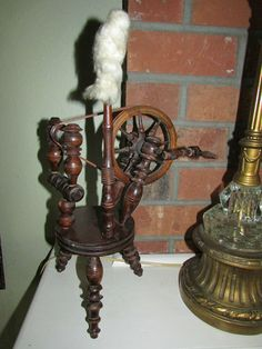 minature german spinning wheel
