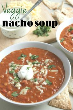 Veggie nacho soup - all the flavours of your favourite pile of nachos, without the guilt! Added Extra Vegetable Broth to make it more soup-like. quick and easy vegetarian soup recipe Veggie Recipes, Soup Recipes, Vegetarian Recipes, Cooking Recipes, Healthy Recipes, Vegetarian Sandwiches, Going Vegetarian, Vegetarian Breakfast, Vegetarian Dinners