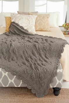 This is one of the most stunning afghan I've ever seen. >> Classic Elite Yarns blog: Cozy Chalet Cover