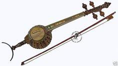 Die ghichak (persisch  غجک) ist ein mit dem Bogen gestrichenes Lauteninstrument aus Afghanistan.