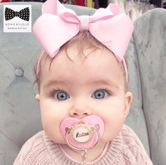 Boutique Luiza Bow 4 Bow clip or nylon headband Baby Girls, Baby Boy, Baby Girl Romper, Cute Baby Girl, Cute Little Baby, Little Babies, Cute Babies, Baby Girl Pictures, Cute Baby Pictures