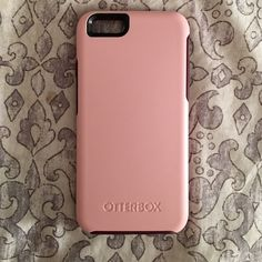 Otter box iPhone 6/6s case Brand new otter box case. Great protection and cute colors!! OtterBox Accessories Phone Cases