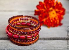 """Купить """"Маргаритка"""". Этнический браслет с кораллом и бисером - разноцветный, комплект браслетов, сет браслетов"""