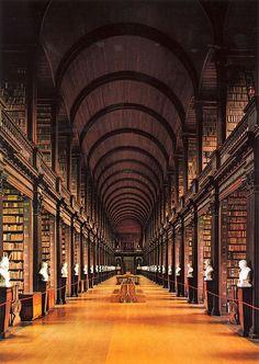 Trinity college librairy Dublin Ireland