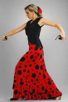 Flamenco Skirt, Flamenco Dancers, Glamour Photo, Dance Dresses, Colorful Fashion, Dance Costumes, New Outfits, Dress Patterns, Dots