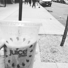 When you don't feel like chewing! Oh how I love #nyc that you walk down any block and find organic juice and smoothie bars at your convenience. Rice protein and hemp smoothie with organic raspberries and spinach. #NYC #juicepress #restore #renew #heal #antiaging #drinkyourmeals #greensmoothie #superfoodsmoothie #superfoods #cleanse #detox #weightloss #glutenfree #paleo #vegetarian #dairyfree #vegan #soyfree #astoria #williamsburg #nyc by dr.susanc