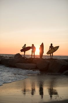 Want to learn to surf but don't know where to start? Surfing lessons are all about taking your surfing to the next level regardless of how much experience -- or lack thereof -- you may have. New Wave, Boxing Day, Billabong, Surfboard, E Skate, Sunset Surf, Hawaii Life, Surfer, Beach Aesthetic