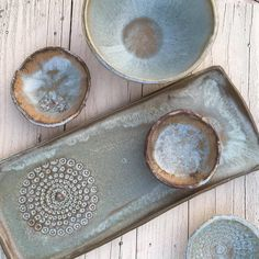 Discover recipes, home ideas, style inspiration and other ideas to try. Ceramic Tableware, Ceramic Clay, Ceramic Bowls, Stoneware, Pottery Plates, Ceramic Pottery, Slab Ceramics, Pottery Houses, Pottery Handbuilding