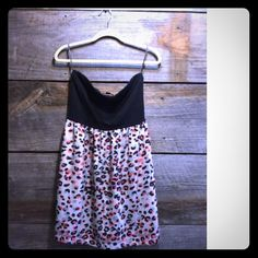 Strapless dress Cute strapless dress with salmon and gray leopard print Forever 21 Dresses Strapless